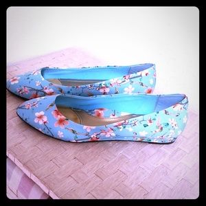 Soft Style by Hush Puppies floral design flats